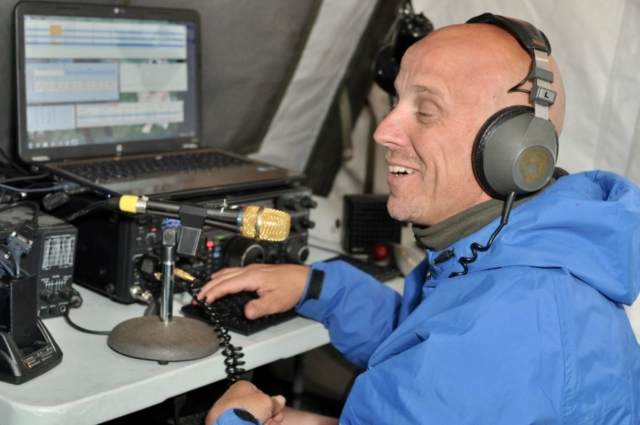 KI1P Having fun operating the 75 Meter station